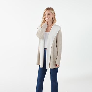 model_wearing_Splendid_two-tone_hooded_cardigan