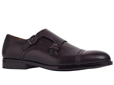 picture of Mens formal shoe after changing the background to white by clipping path zone team