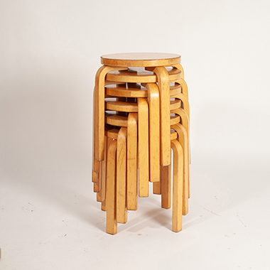 Natural Shadow required for a stacking stool